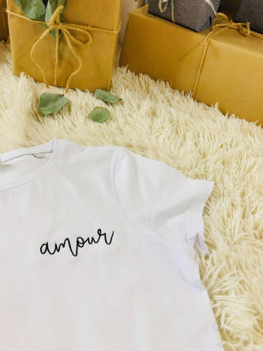 Tee-shirt Blanc Brodé Amour Noir Liloubym Femme